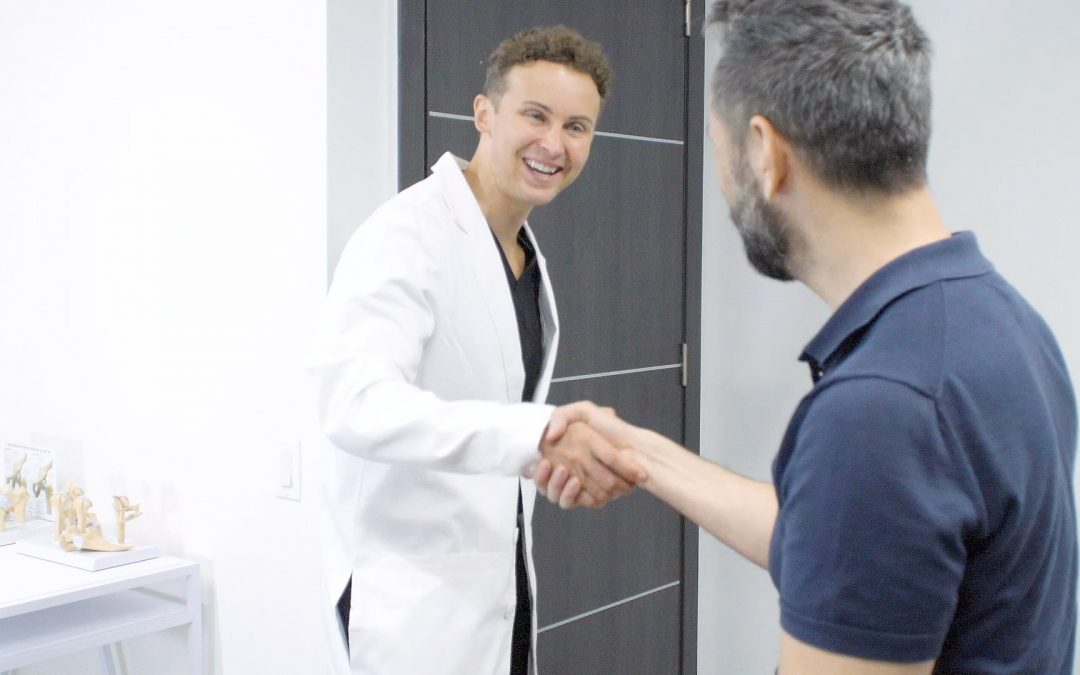 Meet With a Top Neck Pain Dr. for Proper Pain Management